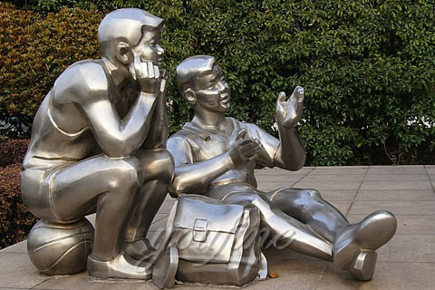 Outdoor abstract Modern stainless steel two boy reading sculptures for school or garden for Sale